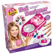 Small World Fashion Nail-designer device