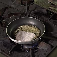 Merluza en salsa verde con almejas - Paso 4