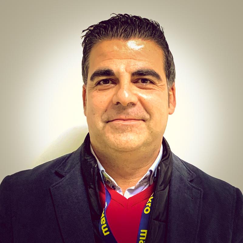 Director de área Makro Palma
