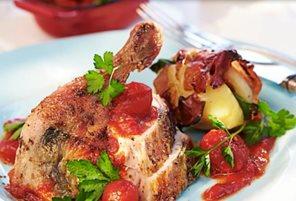 carne de pui pregatita servita in vesela de calitate