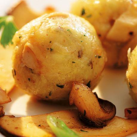 Cartofi copti cu verdeata - retete simple si rapide