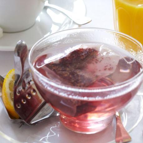 Ceai rosu in set de vesela horeca