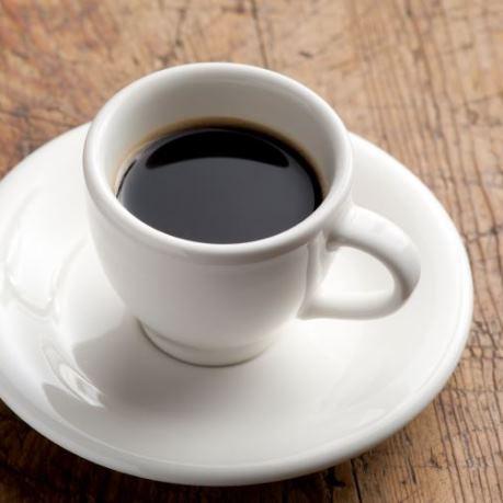 Espresso in ceasca din vesela horeca