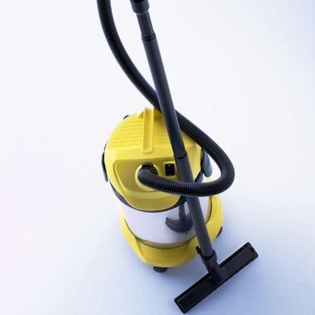 aspirator karcher moldova, aspirator karcher profesional cu accesorii - furtun, saci