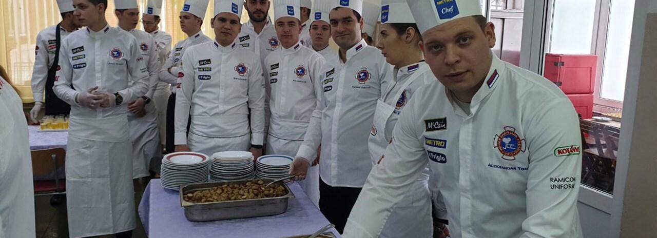 Mladi kuvari  Junior Chefs Club-a